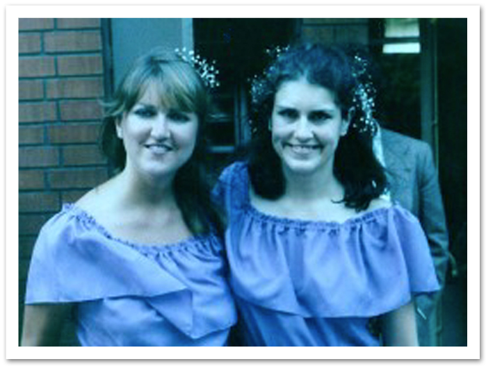 KATHY AND JANET SUPPORT THEIR LITTLE SISTER IN HER NUPTIALS TO JOHN SALTER. IN RETURN, WE GET TO WEAR THIS AWESOME DRESS. THANKS A HEAP, JOYCE!