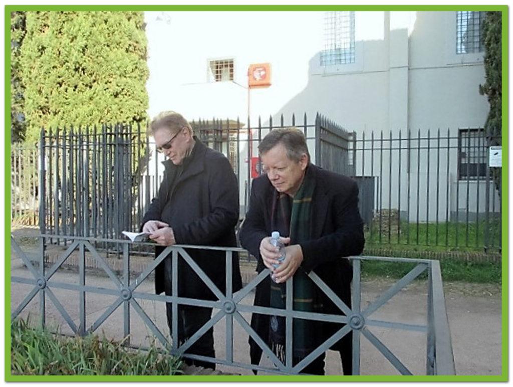 John and Bill admire Palatine